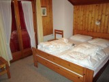 1 chambre grand lit
